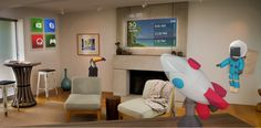 Hands on with Microsoft HoloLens: evening at the Holographic Academy