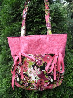 Pink and Black Floral Cinch Purse by AZinnCreativeStitch on Etsy, $37.00