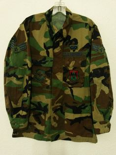 US Air Force Military - Hot Weather Coat with Patches -Size Small/Reg - Woodland Camouflage www.stores.eBay.com/variety-on-a-budget www.amazon.com/shops/Variety-on-a-Budget www.bonanza.com/booths/VarietyonaBudget www.facebook.com/VarietyonaBudgetOnlineShopping