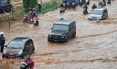 Evaluasi Banjir, Ahok Kumpulkan Pasukan Oranye dan Biru