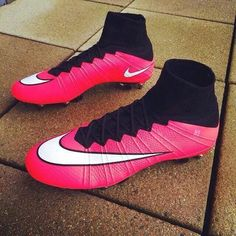 Nike shoes football boots pink boots soccer shoes mens sportswear nike shoes football new sportswear soccer Nike Football Boots, Soccer Boots, Nike Soccer, Nike Shoes Cheap, Nike Free Shoes, Running Shoes Nike, Cheap Nike, Nike Free Runners, Nike Cleats