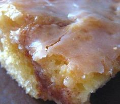 Honey Bun Cake 1 box yellow cake mix 8 ounce tub sour cream 4 eggs c. vegetable oil 1 c brown sugar 1 Tbsp ground cinnamon 2 c. vanilla Preheat oven to Prepare 9 x 13 pan. Honey Bun Cake, Honey Buns, Food Cakes, Cupcake Cakes, Cupcakes, Bundt Cakes, Sweet Recipes, Cake Recipes, Honey Recipes