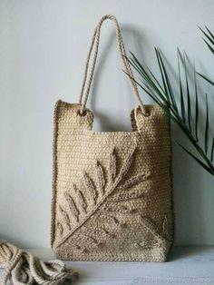 Diy bags 276549233356767369 - Bags: Summer Palm Leaf jute bag Source by livemaster Crochet Tote, Crochet Handbags, Crochet Purses, Hand Crochet, Louis Vuitton Taschen, Bag Women, Jute Bags, Summer Bags, Knitted Bags