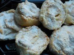 Sint foarte bune aceste fursecuri.Ti se topesc in gura.Imi pare rau ca nu am poze mai detaliate,deoarece este una dintre retetele de pr... Macarons, Muffin, Bread, Cookies, Breakfast, Cake, Food, Drinks, Cooking