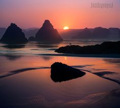 Bandon Beach Triangles - Oregon Coast Morning by Kevin McNeal on 500px Oregon Caves, Southern Oregon Coast, Painted Hills, Mount Hood, Crater Lake, Beach Scenes, National Forest, Bandon Beach, What A Beautiful World