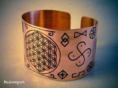 Bratara de cupru Copper Bracelet, Cuff Bracelets, Planter Pots, Symbols, Jewelry, Romania, Blog, Texts, Diamond