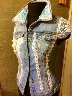 I dislike jean jackets with no sleeves--these lace sleeves make it look more feminine---not manlyrom Denim And Lace, Denim Top, Jeans West, Diy Jeans, Redone Jeans, Stylish Eve Outfits, Denim Vests, Denim Ideas, Country Fashion