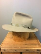 b81f68639de22 vintage hat in Vintage Clothing Shoes and Accessories
