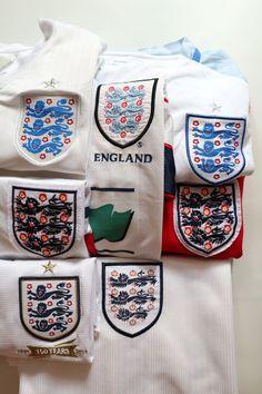 England football shirts for sale #england #englandteam #vintage #footballshirt #soccerjersey #umbro #nike #threelions #jersey #euro2020 #greenflag England Euro 2016, England Top, National Football Teams, Football Soccer, Football Shirts, Euro 1996, Euro 2012, Crawley Town Fc, Ukraine News