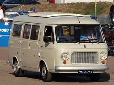 Typical mini buses used as school buses in the in Greece Fiat 500, Fiat Cars, Mini Bus, Camper Van, Cars And Motorcycles, Automobile, Vans, School Buses, Vehicles