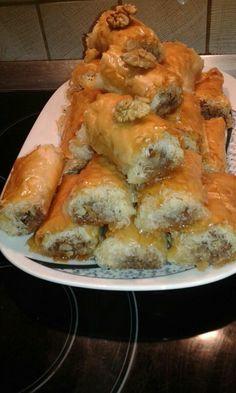 Greek Sweets, Greek Desserts, Greek Recipes, Sweet Buns, Sweet Pie, Cookbook Recipes, Cookie Recipes, Dessert Recipes, Greek Pastries
