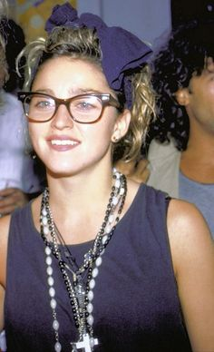 Madonna wearing hipster glasses before we had the word hipster in our vocabulary. Madonna 80s Outfit, Madonna 80s Fashion, Madonna Costume, 1980s Madonna, Lady Madonna, Madonna Young, La Madone, Idole, Wearing Glasses
