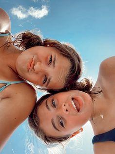 Best Friends Shoot, Best Friend Poses, Friend Beach Poses, Photos Bff, Friend Photos, Bff Pics, Foto Best Friend, Foto Glamour, Flipagram Instagram