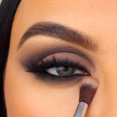 Edgy Eye Makeup, Smoke Eye Makeup, Bronze Eye Makeup, Fancy Makeup, Retro Makeup, Makeup Eye Looks, Eye Makeup Steps, Eye Makeup Art, Bronze Smokey Eye