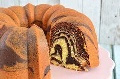 Het meringue recept van de Meringue Girls - Laura's Bakery Marmer Cake, Fun Desserts, Dessert Recipes, Meringue Recept, Netherlands Food, Zebra Cakes, American Chocolate, Resep Cake, American Desserts