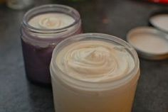 How to make Creams with Emulsifying Wax! // Ingredients: /Waters: of spring water, floral water or herbal tea. /Oils and Waxes: emulsifying wax beeswax herbal infused oil or plain base oil /Extras vitamin E 1 ml essential oils Cream For Oily Skin, Face Cream For Wrinkles, Skin Care Cream, Skin Cream, Face Creams, Wrinkle Creams, How To Make Cream, Lotion Recipe, Diy Lotion