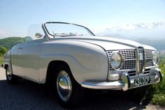 'Oh, to be in Saabland, now that Spring is here..!!' ~ Saab 96 convertible (>same car as previous pin>)