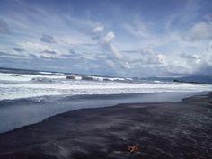 Big Waves of Morong, Bataan, Philippines
