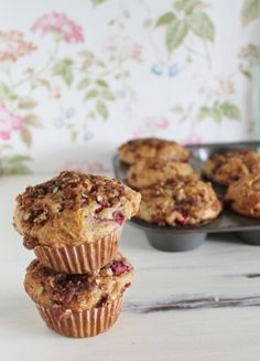 Strawberry Rhubarb Muffins with Streusel Topping