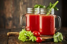 Retikül.hu - 5 vízhajtó smoothie rostokkal és vitaminokkal: akkor is ihatod őket, ha diétázol Okra, Smoothie, Mason Jars, Mugs, Drinks, Tableware, Van, Gumbo, Smoothies