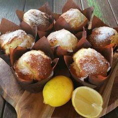 20 Second Crunchy Lemon Muffins