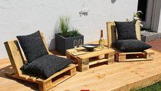Une Création, un mini salon de jardin table réalisé à partir de palette sera parfaite pour votre extérieur, il est fait main par mes soins. Ayant le souci du détail, parfaite finition. Très beau salon pour votre extérieur et rendre votre terrasse tendance. Elle comporte une table