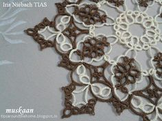 Iris Niebach TIAS doily .... muskaan's T*I*P*S: Tatting Away XVI : Doily ... with my notes on the pattern
