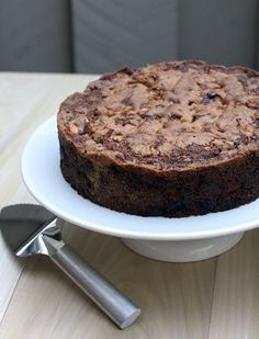 """Flour Bakery's apple spice snacking cake. Described as """"The apple cake to end all apple cakes. Sheer perfection."""" Apple Cake Recipes, Apple Cakes, Dessert Recipes, Flour Bakery, Bakery Cafe, Fall Desserts, Just Desserts, Apple Desserts, Joanne Chang"""