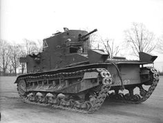 British Army (H Vickers Medium Mk 1 tank of the Royal Tank Regiment at Colchester, November Army Vehicles, Armored Vehicles, British Army, British Tanks, Tank Warfare, Tank Armor, British Armed Forces, Military Armor, Armored Fighting Vehicle