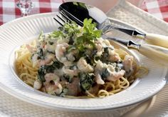 Pasta with spinach and shrimps - Pinaatti-katkarapupasta, resepti – Ruoka.fi