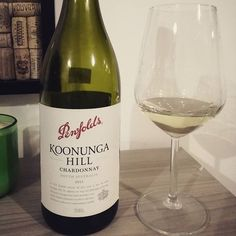 Chardonnay night! 🍇❤🍷 Vegetal and fumè, this Southern Australia Chardonnay knew perfectly fine what we wanted to taste tonight! . #cultoridelvino #winelife #chardonnay #whitewine #penfolds #winelovers #vinobianco #australian #sundayevening #byeweekend #enjoylife