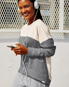 Champion Authentic Women's Sweatshirt/ Small