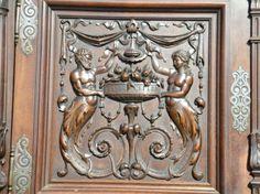 Buffet Renaissance en Noyer
