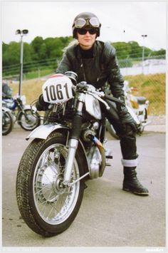 "MotArt: Michèle "" Mitch "" The Motorcycle Queen"