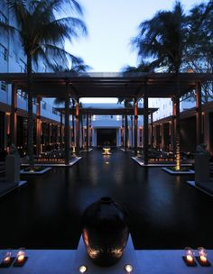 The Setai Hôtel, Miami - Pool view. Photography copyrights: The Setai Hôtel.