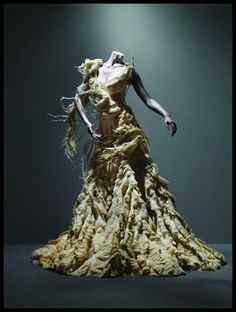 alexander mcqueen wedding dresses 2011 inspiration from the savage beauty exhibition at The Costume Institute of the Metropolitan Museum of Art, New York -- Alexander McQueen Wedding Dress Inspiration from the Savage Beauty Exhibition Alexander Mcqueen Wedding Dresses, Cl Fashion, Look Fashion, Fashion Design, Dress Fashion, Vogue, Alexandre Mcqueen, Steve Mcqueen, Fashion Editorials