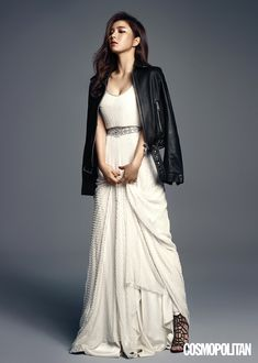 Go here for Shin Se Kyung's previously released shots for Cosmopolitan Korea's August issue.       Source  |  Cosmopolitan Korea