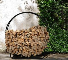 10 Easy Pieces: Firewood and Log Storage on Gardenista