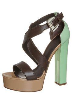 Vicini Sandalette: http://zln.do/15vwg47