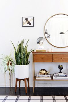 See Why Round Mirrors Are So Popular in Home Designs - Style Me Pretty Living