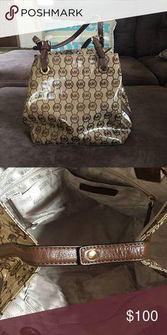 c2cf017f2bf1 Authentic MK bag London Fashion, Women's Fashion, Runway Fashion, Fashion  Shoes, Fashion
