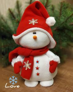 Christmas Decorations, Christmas Ornaments, Holiday Decor, Christmas Projects, Rock Art, Christmas Stockings, Snowman, Baby Shower, Quilts