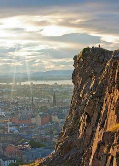 Arthur's Seat in Edinburgh, Scotland. Scotland Uk, England And Scotland, Scotland Travel, Scotland Trip, Scotland Vacation, Ireland Vacation, Ireland Travel, Scottish Castles, Scottish Highlands