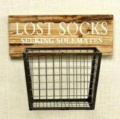 Dieser Holz- und Metall-Hängekorb Honey … where is my sock! This wooden and metal hanging basket … Laundry Room Remodel, Laundry Room Organization, Laundry Room Design, Organizing, Laundry Basket Storage, Laundry Area, Laundry Room Shelves, Laundry Room Art Diy, Ideas For Laundry Room