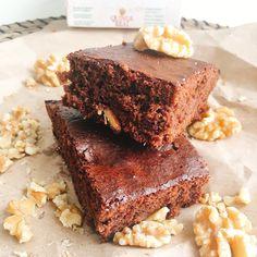 Estos brownies con harina de quinoa sin gluten están buenísimos y es una alternativa perfecta para las personas intolerantes al gluten.  💚Así que si quieres un postre sano y fácil de preparar, no dejes de hacer este brownie. Por cierto, si no te gusta el sabor de la quinoa, no te preocupes que ni te darás cuenta de que está hecho con harina de quinoa. ✔️Para ver la receta👉🏼 https://www.dellaterra.es/brownies-con-harina-de-quinoa-sin-gluten/