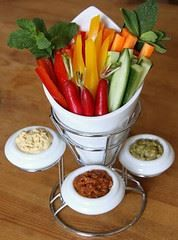raw dips for aperitif time. Vegan Desserts, Raw Food Recipes, Snack Recipes, Snacks, Raw Vegan, Vegan Vegetarian, Vegetarian Recipes, Raw Dips, Best Protein Bars