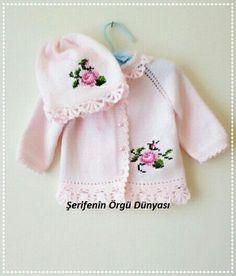 kiz-bebek-orgu-ornekleri-46-kopyala-426x500