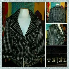 WHITE HOUSE BLACK MARKET checkfringe BLAZER JACKET This BLAZER JACKET just could NOT BE more CLASSY YET COOL with STELLAR detailing from none other than WHITE HOUSE BLACK MARKET..ITS a LADIES SIZE -10 and in ABSOLUTE EXCELLENT pre-luved condition White House Black Market Jackets & Coats Blazers