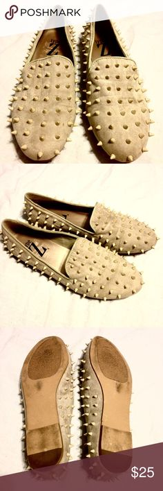 """❗️SALE❗️Spiked loafers Beige/cream colored loafers with spikes all over. No spikes missing. Some wrinkles are present from normal wear. Material is suede. Size 8.5 and are wayyy too big for me. They were the next closest size I could attempt to try wearing, they looked too awesome to pass! I'm a 7-7.5 and tried making these work with thick no-show socks. Overall good condition. Brand is """"Type Z"""", UNIF for exposure. No trades or lowball offers please. UNIF Shoes Flats & Loafers"""