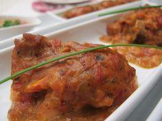 Sobrecoxas Cremosas - prato principal leva presunto picadinho, tomate, orégano e ovos.